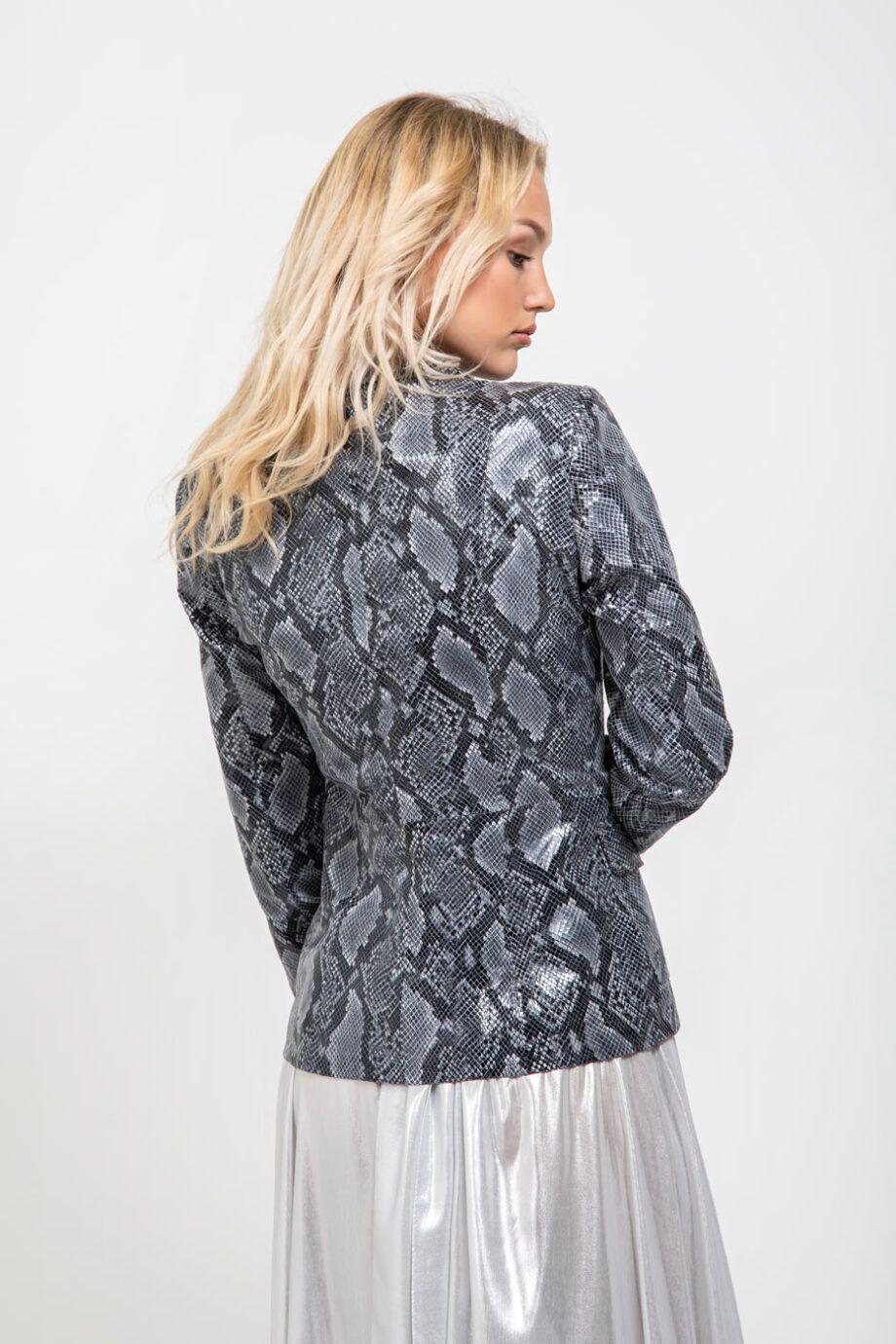 chaqueta blazer cuero
