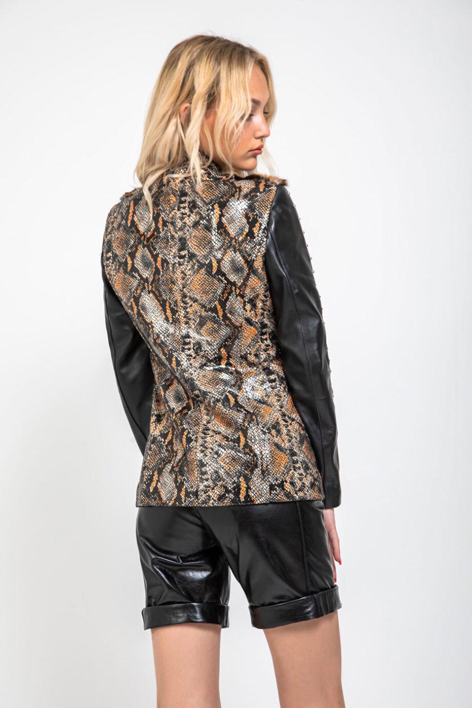chaqueta piel animal print serpiente