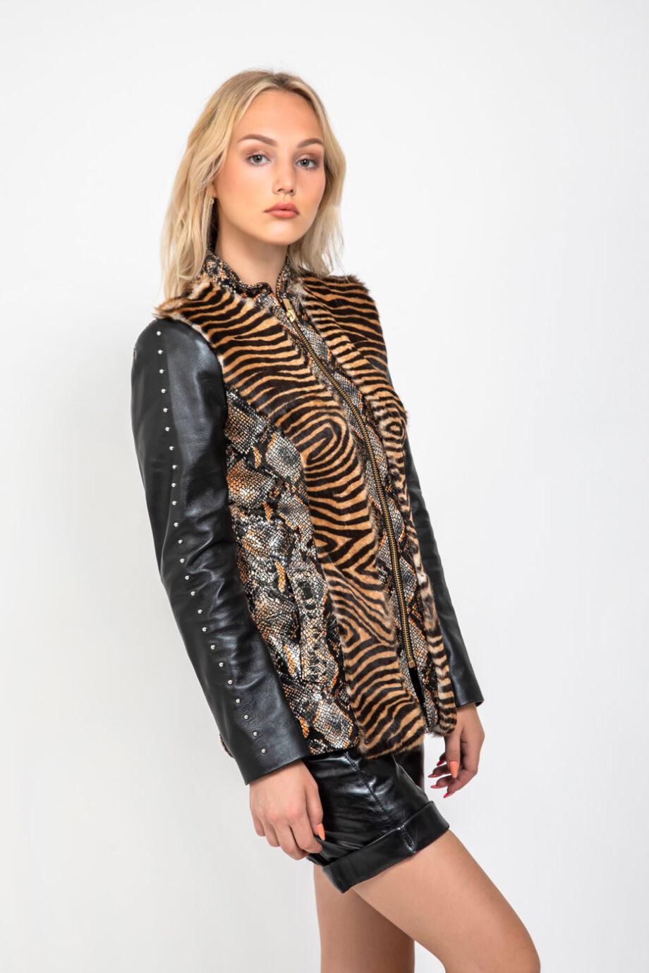 chaqueta-cuero-grabado-piton-estampado-tigre (3)
