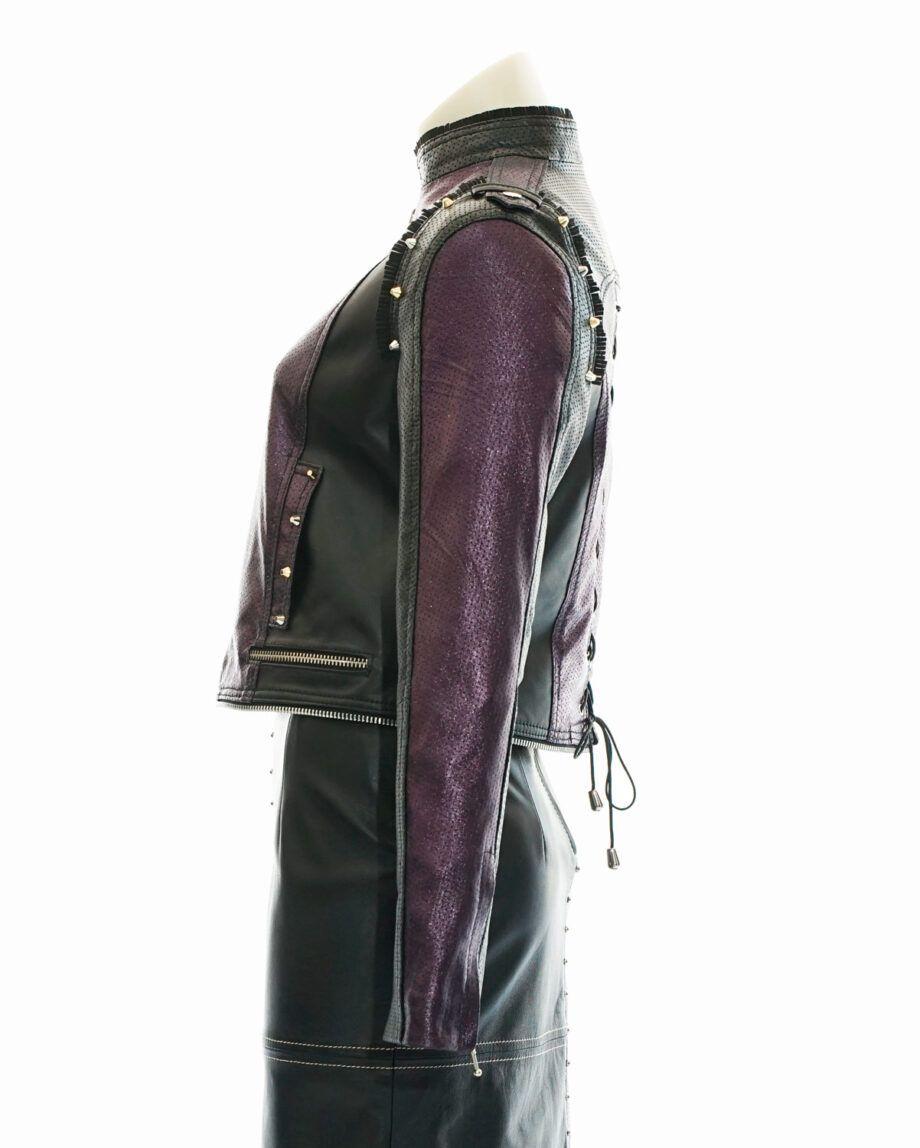 cazadora purpura y negro