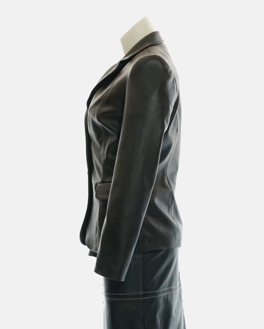 chaqueta blazer cuero negra